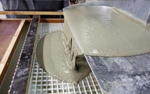 Bild UHPC Labormöbelsystem: Werksfertigung der Betonkomponenten