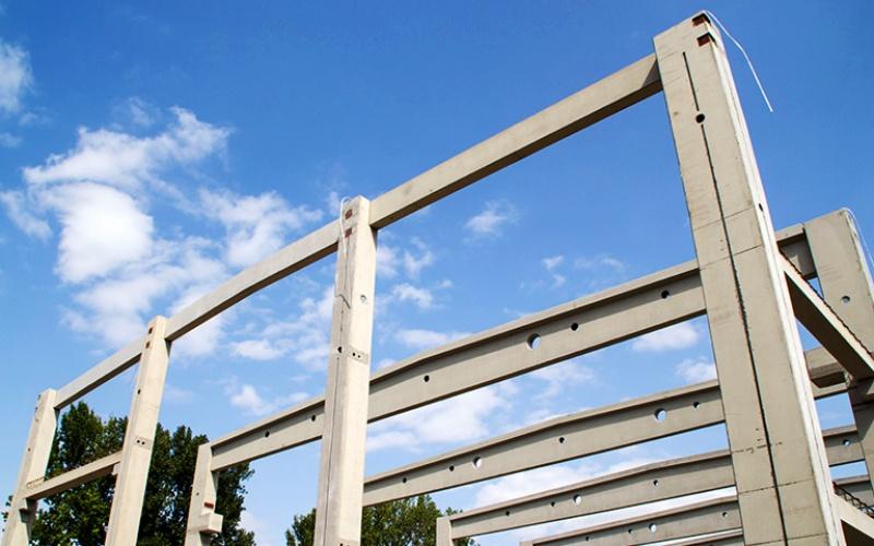 Neubau des Recycling-Technikums: Stahlbetonhalle in Fertigbauweise