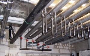"""Bild Gebäudesegment-Wärmetauscher: Eingebaute GSWT-Anlage in der Abwasserleitung der Filterrückspülanlage im Freizeitbad """"GalaxSea"""""""