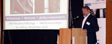 Bild Institutsdirektor IAB Weimar Dr. Ulrich Palzer