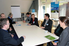 Bild 4. RIS3-Forum Ressourceneffizienz am IAB Weimar: Drei Thementische für Fragen an Experten