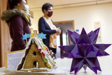 Bild Lebkuchenhaus mit Weihnachtsstern